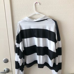Tops - Cropped Long Sleeve Shirt